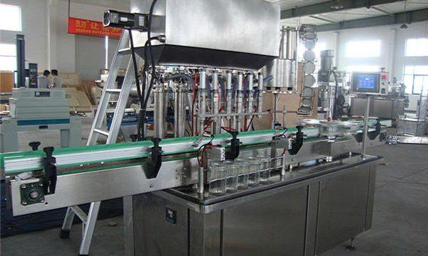 Machine remplissage de confiture.