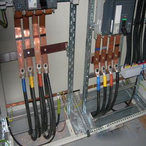 Matériels de distribution d'énergie électrique