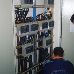 Installation d'armoires électriques