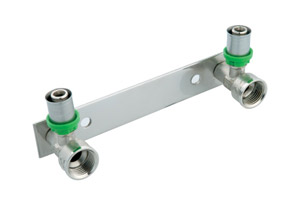 Raccordement pour tubes multicouches à sertir