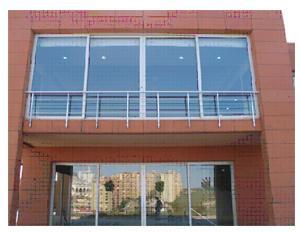 Balustre ou barrière pour balcons, terrasses et fenêtres