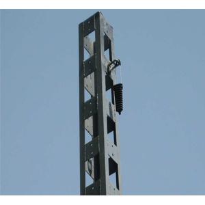 Fixation du câble aérien sur pylône