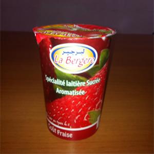 Pot de yaourt aromatisé goût fraise 450 Gr