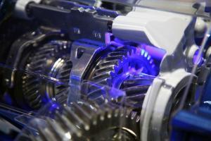 Réparation moteurs et boites vitesse.