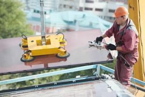 Travaux de vitrerie de bâtiment