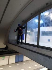 Nettoyage spécifique: vitres/ sols/ tapis
