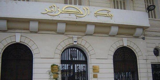 Algérie : entre 1500 et 2000 milliards de dinars circulent hors circuit bancaire