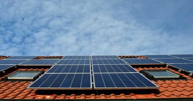 Congr&egraves international sur les &eacutenergies renouvelables