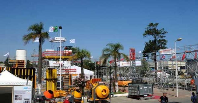 Ouverture du 21e salon Batimatec : les pavillons et l'esplanade de Safex font le plein
