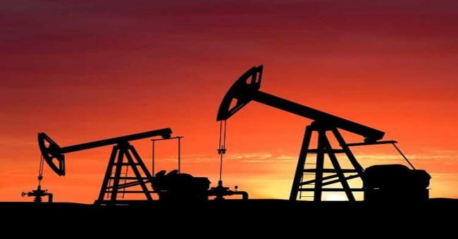 Le p&eacutetrole recule, les puits se multiplient aux Etats-Unis