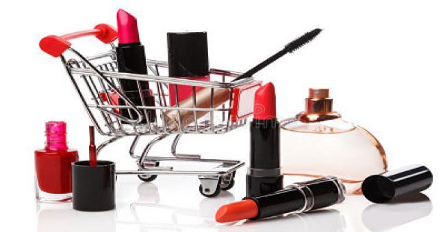 300 millions de dollars d'importations de produits de maquillage chaque ann&eacutee