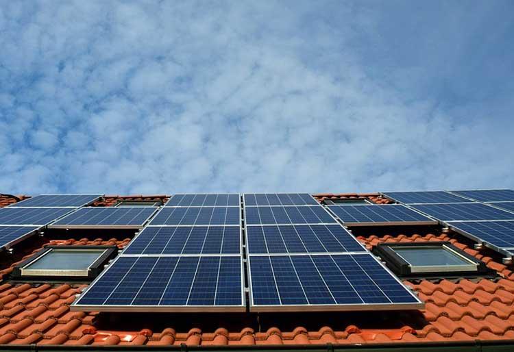 Efficacité énergétique : vers un encadrement juridique de l'activité d'installateur d'équipements